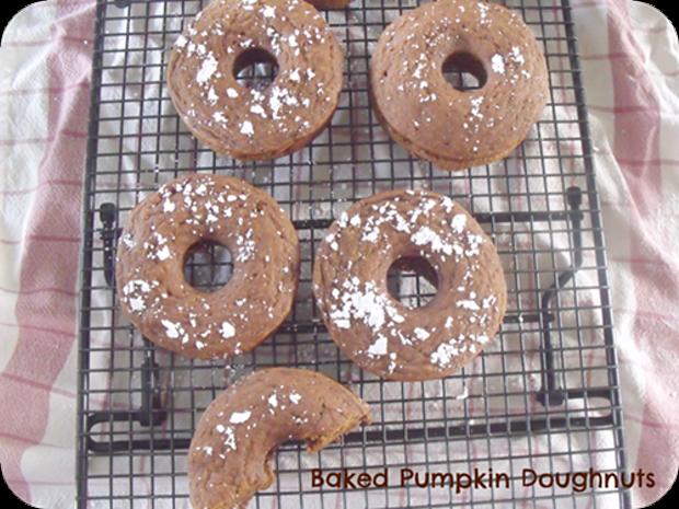 1382462491-bakedpumpkindoughnuts.png
