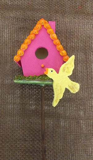 birdhouse_on_a_stick_big.jpg