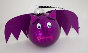 bat_round_ornament.jpg