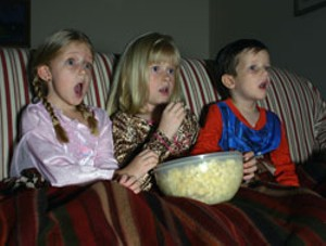 movie-kids-popcorn.jpg