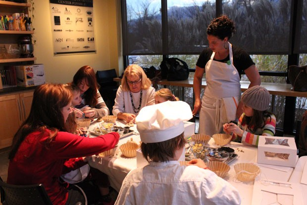 Nina Lesser-Goldsmith leads a Kids in the Kitchen class