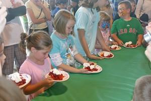 sam_mazza_shortcake_eating_contest.jpg