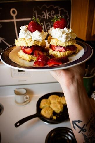 Strawberry shortcakes ready to eat - SAM SIMON