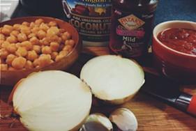 curried chickpeas ingredients - ERINN SIMON