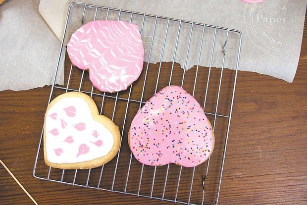 Iced cookies - SAM SIMON