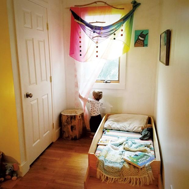 Mo's bedroom - JILLIAN KIRBY