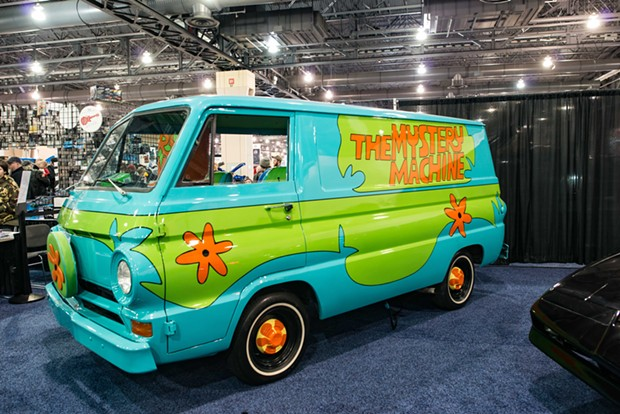 The Scooby-Doo crew's Mystery Machine - CHRIS KELLEHER | DREAMSTIME.COM
