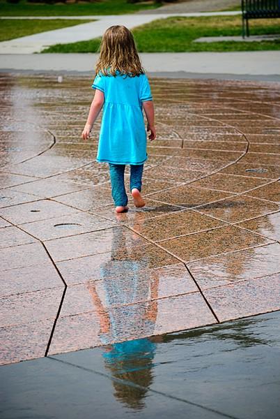 girl_in_fountain.jpg
