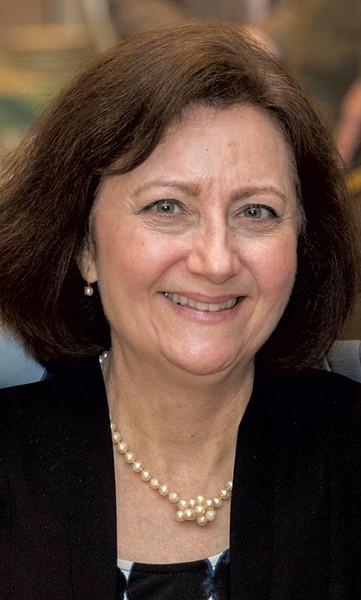 Linda Cloutier-Namdar