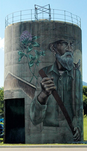 Silo mural by Sarah C. Rutherford - MOLLY ZAPP