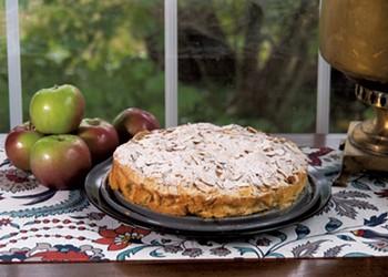 Mealtime: Easy Apple Cake Recipe