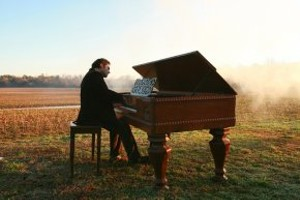 malek-jandali-composer-pianist-23-1.8fa44e72f41a53fd10270fec.jpg