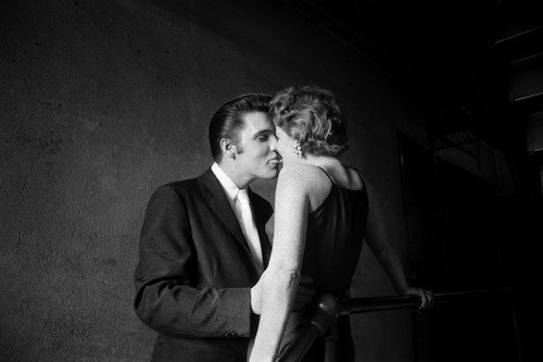 Alfred Wertheimers The Kiss