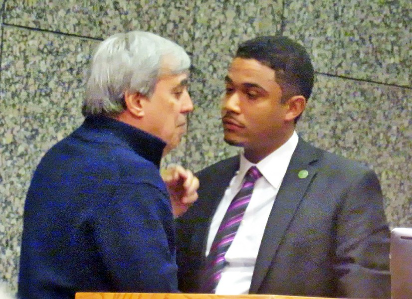 Attorney Krelstein and Justin Ford confer just prior to chairman Ford's agreeing to deal with plaintiffs - JB