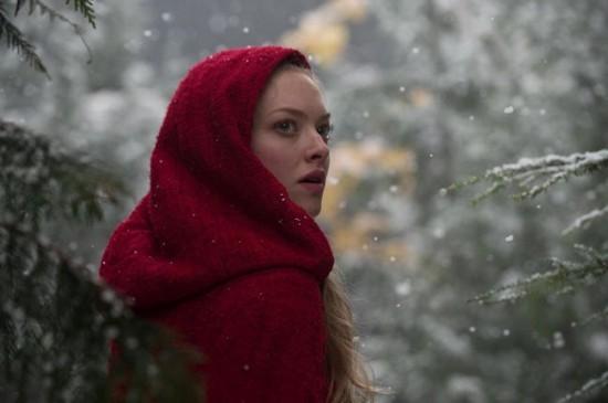 red-riding-hood-movie-photo-amanda-seyfried-550x365.jpg
