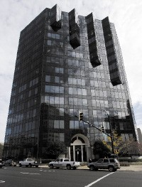 Bankruptcy Central: 200 Jefferson in downtown Memphis - JUSTIN FOX BURKS