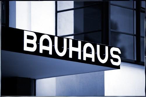 Bauhaus Building, Walter Gropius, 1925-26, Dessau, Germany © Gordon Watkinson