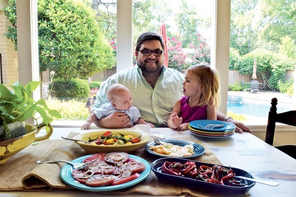 Chef Ryan Trimm eats lunch with son Thomas and daughter Emma Kate at their home in East Memphis. - FOOD FEATURE BY JOHN KLYCE MINERVINI