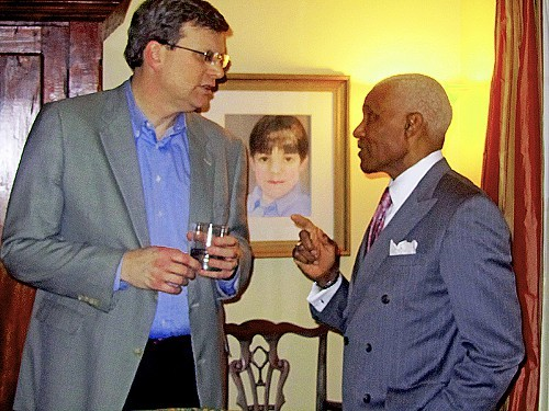 City Councilman Jim Strickland and Mayor Wharton mull over crisis at Thursday night fundraiser.