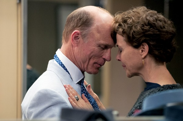 Ed Harris and Annette Bening