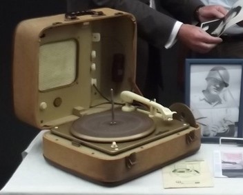 Elvis freakin record player