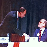 Flinn (l) and Cohen shared a handshake and a stage at Kirby Pines