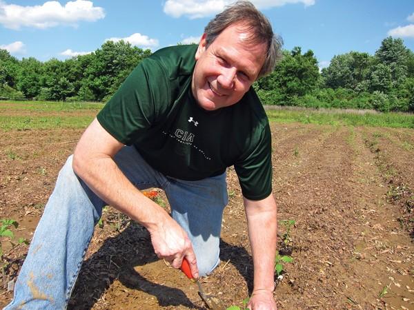 Jeff Dunham in his garden - JOHN KLYCE MINERVINI