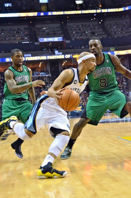 Jerryd Bayless should be able to top O.J. Mayo, but matching Jamal Crawford is a longshot.