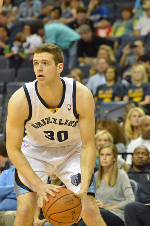 Jon Leuer put up 23-9 in Tuesdays victory over the Suns.