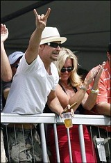 GARY MALERBA/ASSOCIATED PRESS - Kid Rock cheered John Daly on at the Buick Open