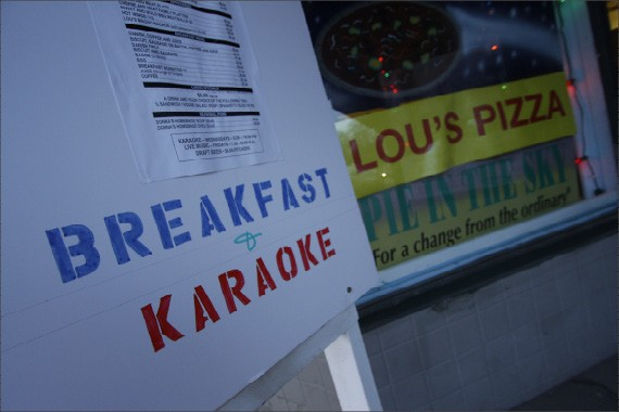 Lou's: the pizza place for breakfast