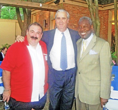 Luckett (center) with Memphis friends Kris Kourdouvelis and DArmy Bailey