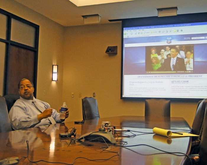 Meanwhile, acting mayor Lowery logged some video time with Obama - JB