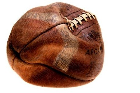 deflated_football_NFL-Lockout.jpg