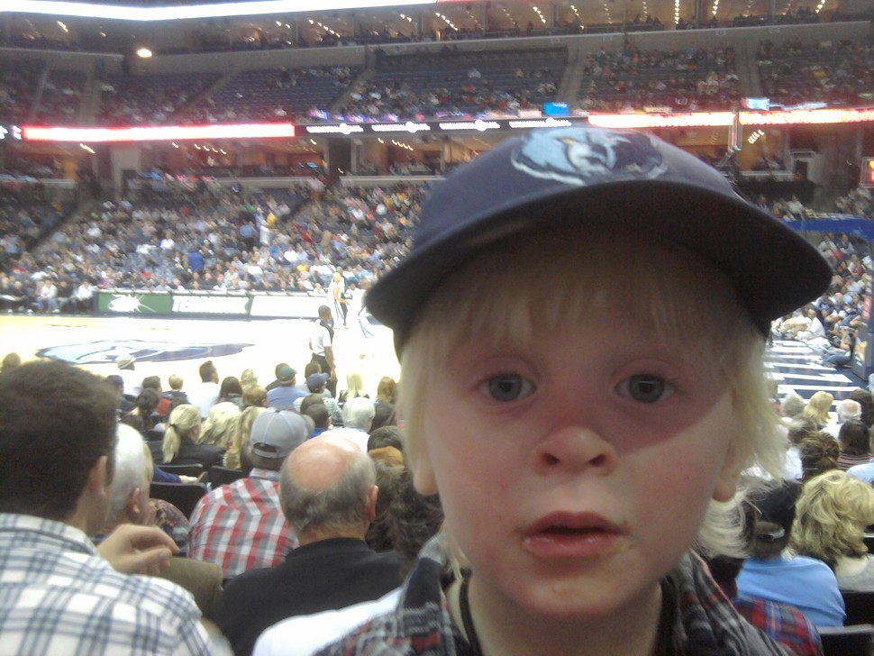 My obstructed view of the Grizzlies-Pistons game.