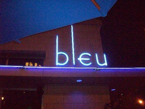 bleusign.JPG
