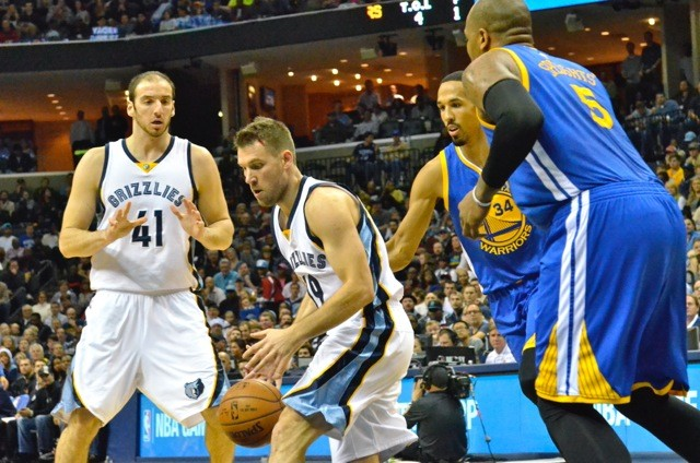 Beno Udrih had a magnificent game, distrubuting the ball well and chipping in when the Griz bench went on a big run. - LARRY KUZNIEWSKI