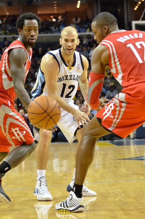 Nick Calathes had a big game against the Rockets Saturday, racking up 11 points and 3 steals.