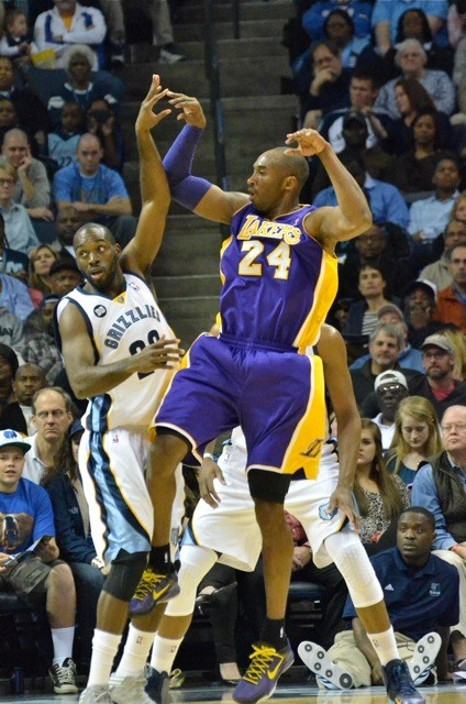 Quincy Pondexter [pictured] and Tony Allen combined to play tough defense on Kobe Bryant.