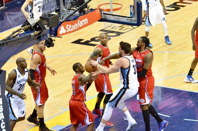 The Grizzlies evened up the series behind a dominant performance from their frontcourt stars.