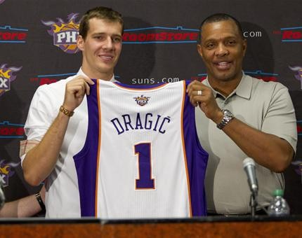 The Suns Goran Dragic is moving up the Western Conference point guard rankings, but Mike Conley stands in his way.
