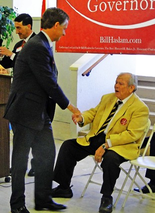 Then gubernatorial candidate Bill Haslam welcomes Howard Baker at a campaign appearance in Memphis in 2010.
