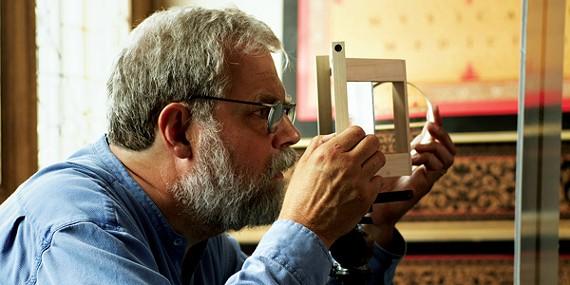Tim Jenison experiments in Tim's Vermeer