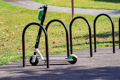 A closer ride with thee? - MKOPKA   DREAMSTIME.COM