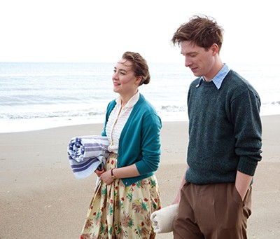 Saoirse Ronan and Emory Cohen in Brooklyn