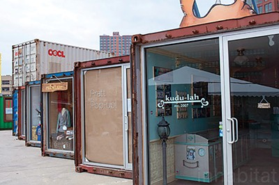 A similar pop-up market in Brooklyn, New York - LEONEL LIMA PONCE