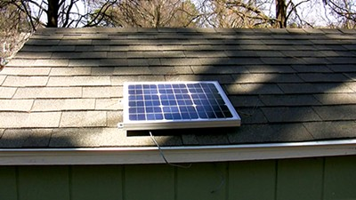 Brian Siler built this solar setup (left) for less than $200. - COURTESY OF BRIAN SILER