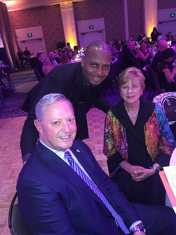 Penny Hardaway with Alan and Susan Graf at the FedExFamilyHouse Gala. - MICHAEL DONAHUE