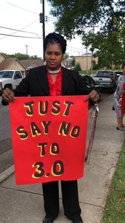Carnita Atwater protests the Memphis 3.0 plan - MAYA SMITH