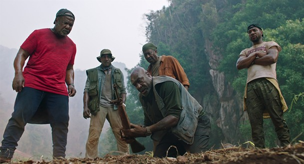 Isiah Whitlock Jr., Norm Lewis, Delroy Lindo, Clarke Peters, and Jonathan Majors in Da 5 Bloods.